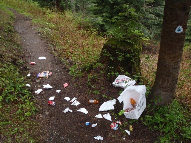 Trail magic cache on the PCT