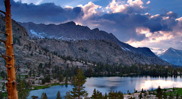 Aarowhead Lake from the Pacific Crest Trail. Photo by Aaron Doss