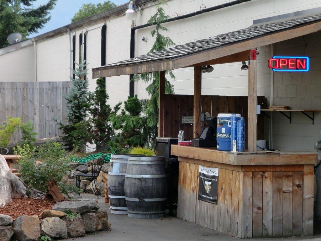 Backwood's Brewing patio in Carson, Washington.