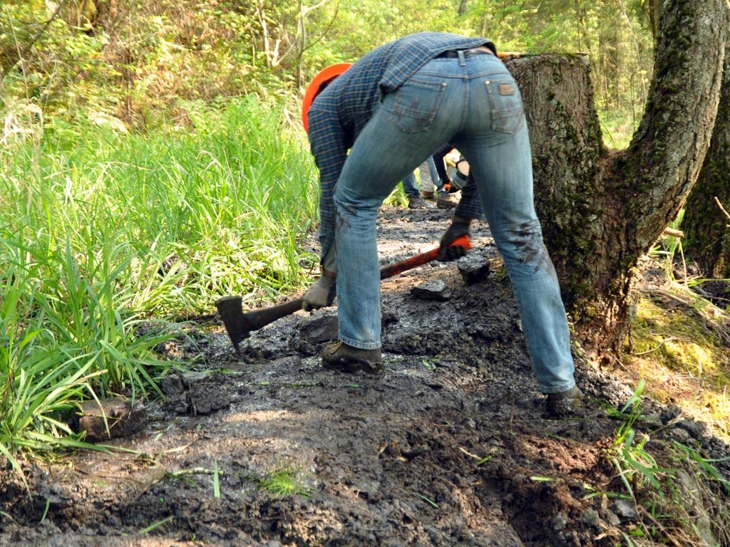columbia-gorge-trail-maintenance-volunteer
