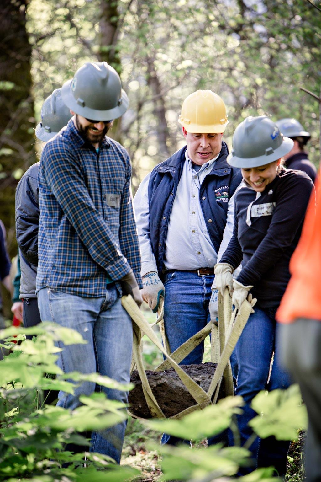 trail-maintenance-volunteer-pacific-crest-trail-Shonda-Feather