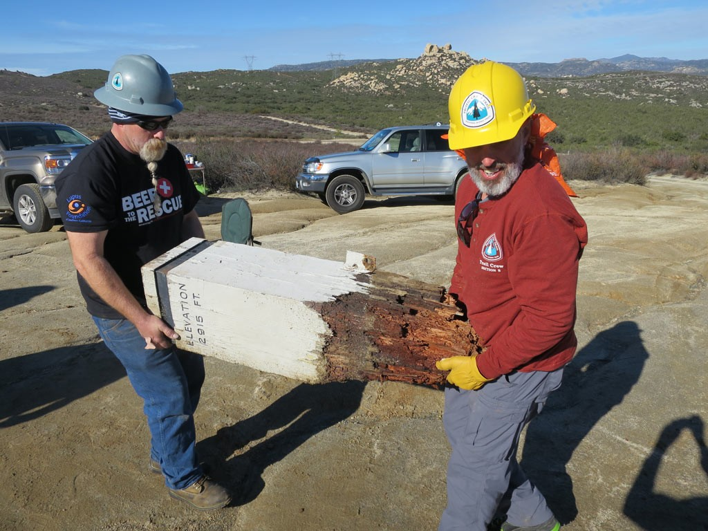 removing-the-old-pct-monument