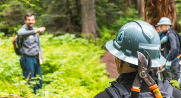 pacific crest trail volunteers